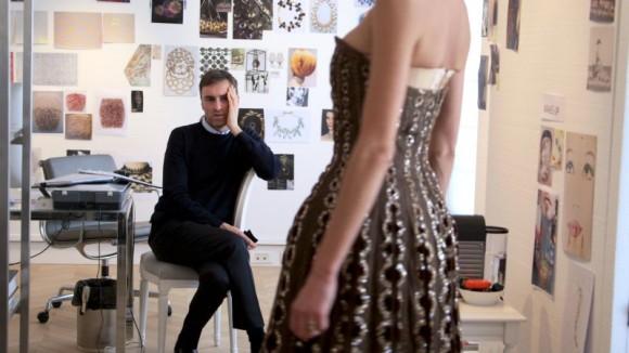Dior_and_I_Dogwoof_Documentary_Still_1_800_450_85